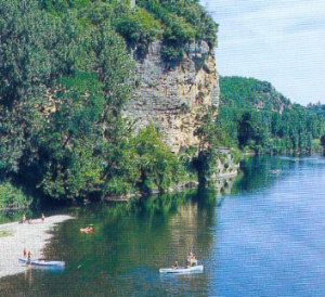 Canoeing on the Vezere